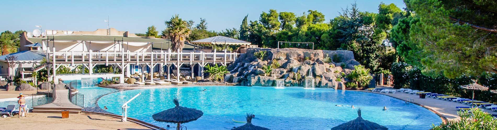 Campings argeles sur mer avec piscine parc aquatique for Camping 5 etoiles var bord de mer avec piscine