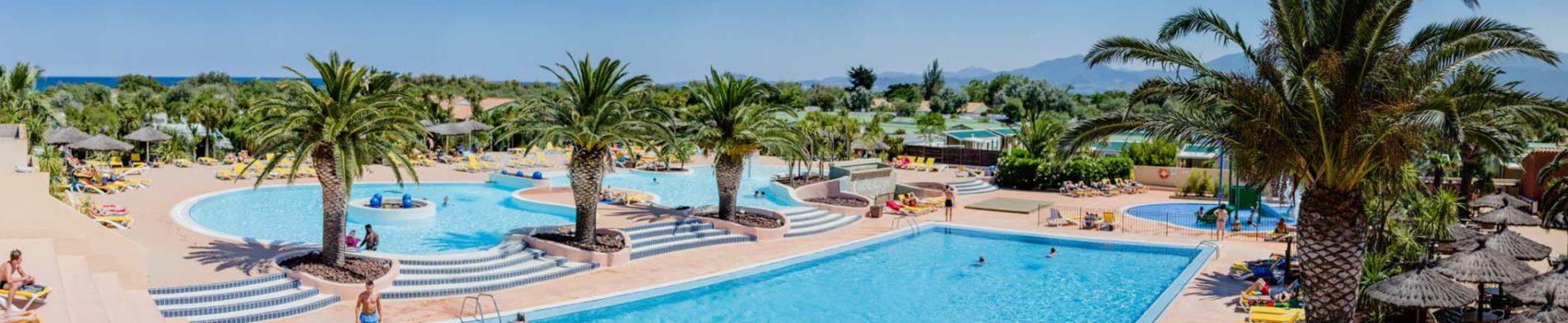 Camping saint cyprien avec parc aquatique piscine for Camping calvados bord de mer avec piscine